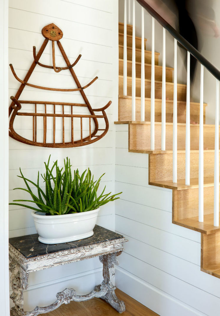 jenn-obrien-descending-stairs-wenham-topsfield-ma