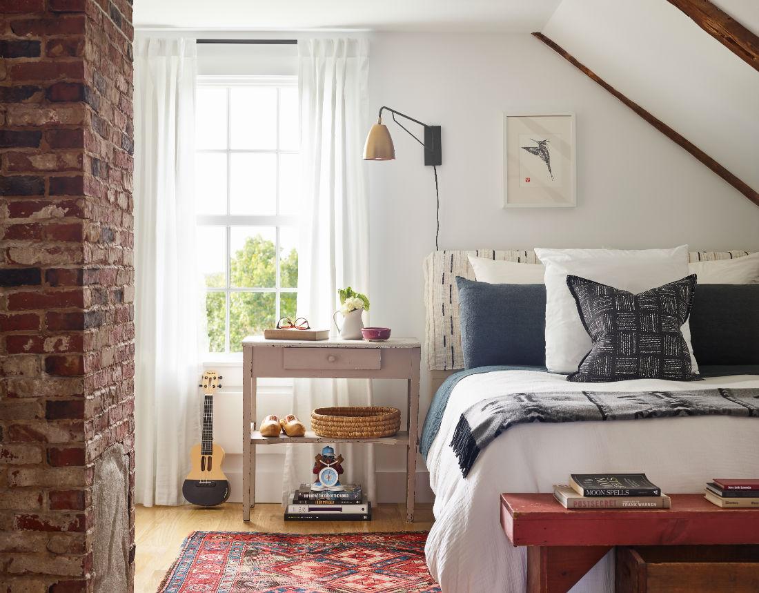 jenn-obrien-interior-design-guest-bedroom-exposed-brick