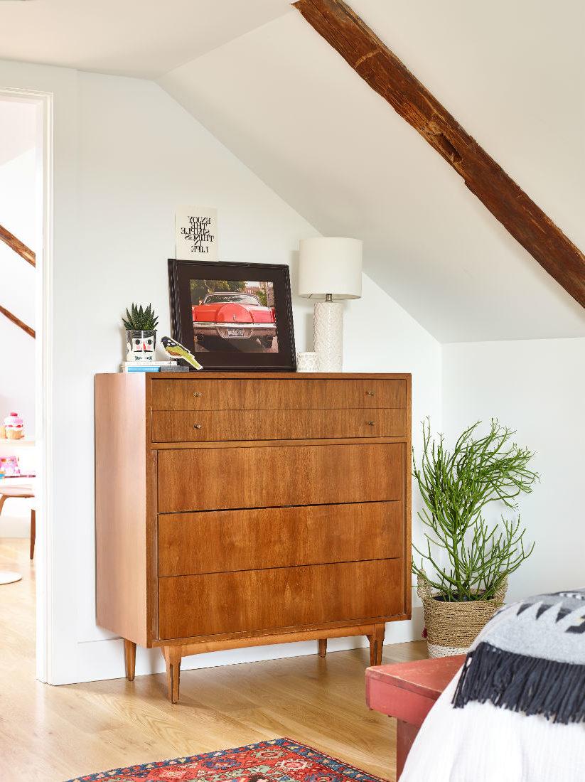jenn-obrien-interior-design-wooden-dresser