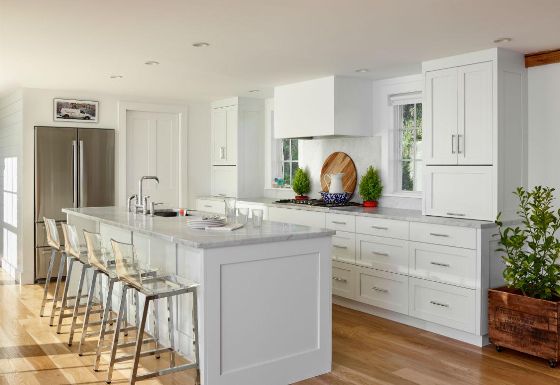 wenham-topsfield-ma-white-kitchen-island-clear-stools