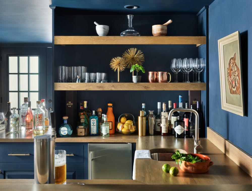 bar-with-built-in-shelving-topsfield-ma