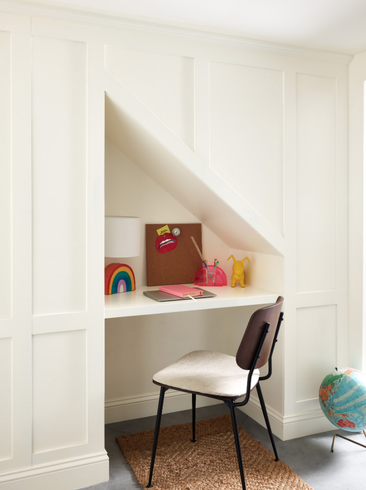 built-in-desk-wall-nook-interior-design