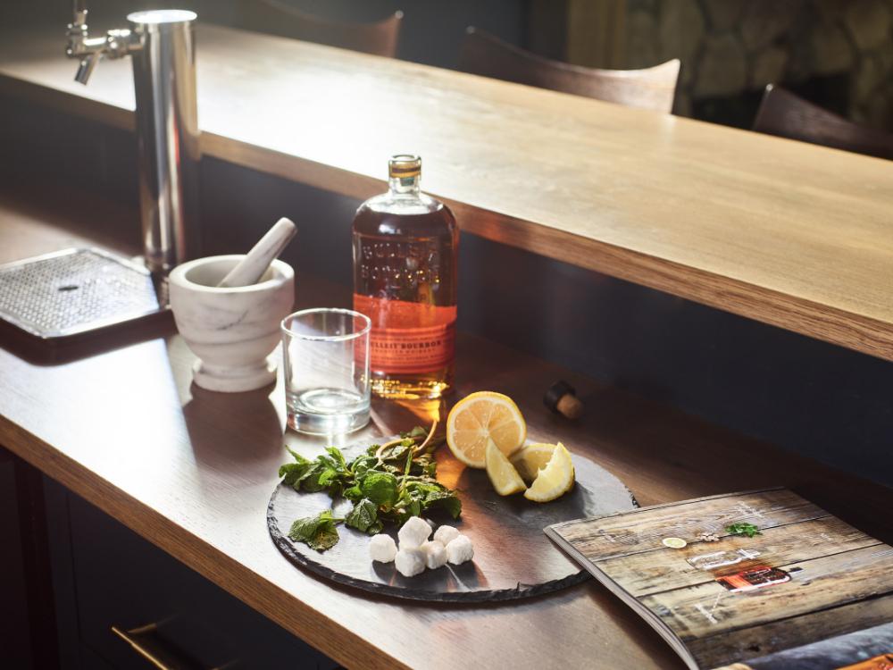 topsfield-ma-in-home-bar